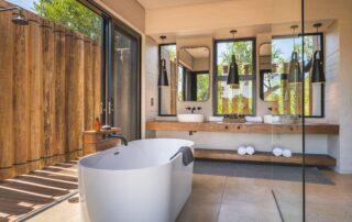 Lumlula-Lodge-Bathroom-Elephant-Point-Greater-Kruger-Xscape4u