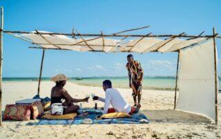 Coral-Lodge-Beach-Picnic-Mozambique-Xscape4u