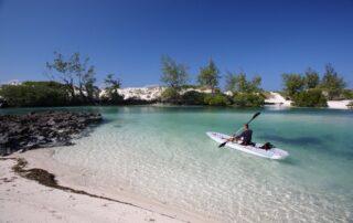 Coral-Lodge-Kayaking-on-lagoon-Mozambique-Xscape4u