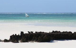 Coral-Lodge-Dhow-Beach-Mozambique-Xscape4u