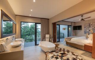Rhulani-Bathroom-Elephant-Point-Greater-Kruger-Xscape4u.