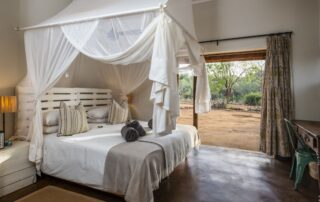 Baobab-Hill-Bush-Xscape4u-Bedroom-Kruger-National-Park-