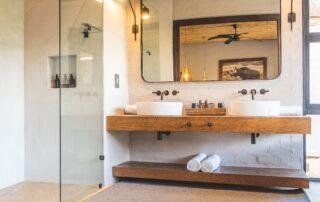 Lumlula-Lodge-Bathroom-Elephant-Point-Greater-Kruger-Xscape4u-