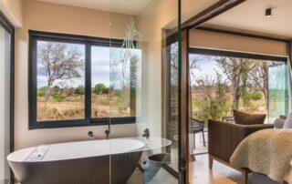 Mpfuvu-Bathroom-Elephant-Point-Greater-Kruger-Xscape4u