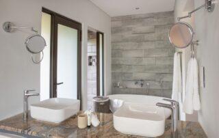 Thekwane-Lodge-Bathroom-Elephant-Point-Kruger-Xscape4u
