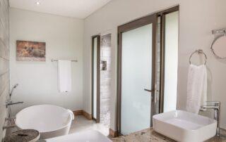 Thekwane-Bathroom-Elephant-Point-Greater-Kruger-Xscape4u