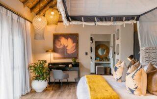 Simbambili-Game-lodge-Xscape4u-Honeymoon-suite-Sabi-Sand-Game-Reserve