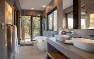 Thanda-Bathroom-Elephant-Point-Greater-Kruger-Xscape4u.