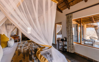 Jackalberry-Lodge-Family-room-Thornybush-Private-Game-Reserve-Xscape4u