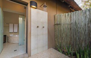 Nyarhi-Lodge-Shower-Elephant-Point-Greater-Kruger-Xscape4u