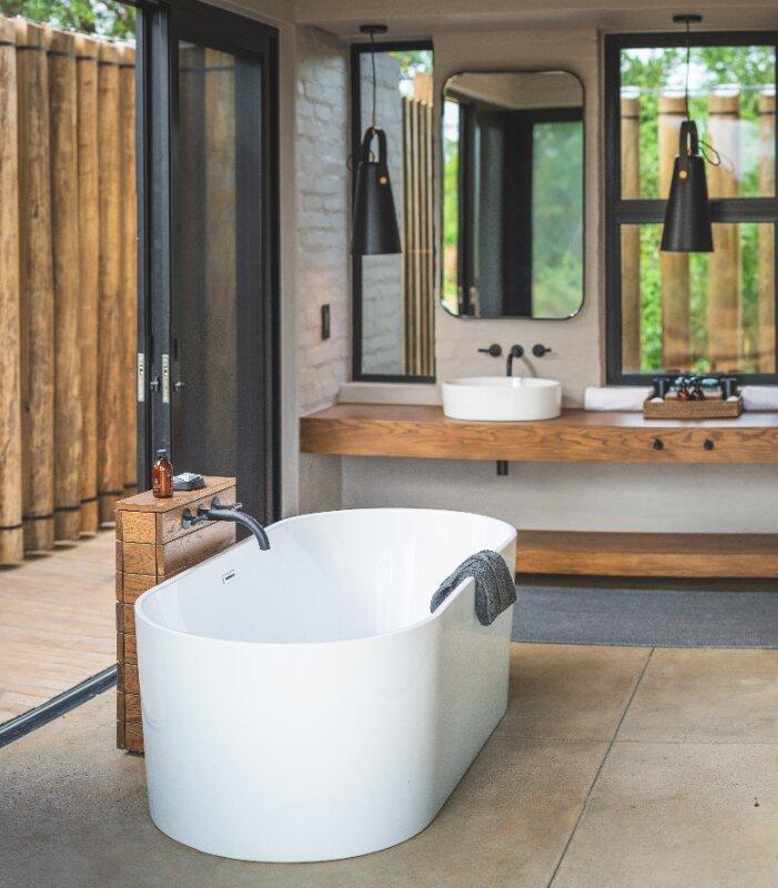 Lumlula-Bathroom-Elephant-Point-Greater-Kruger-Xscape4u