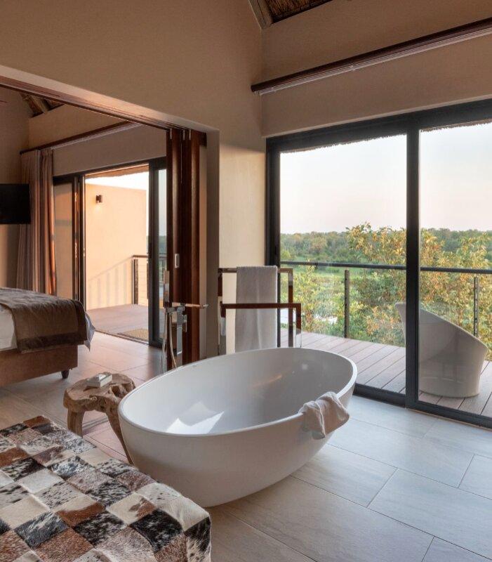 Rhulani-Bathroom-Elephant-Point-Greater-Kruger-Xscape4u