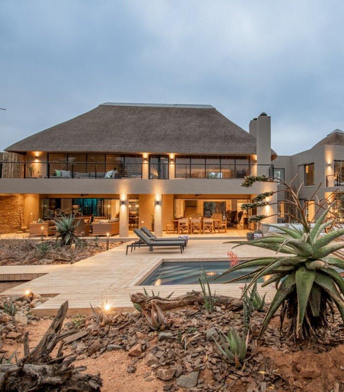 Thanda-Lodge-Elephant-Point-Greater-Kruger-Xscape4u