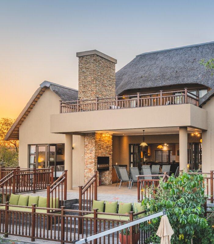 Yingwe-Lodge-Elephant-point-Greater-Kruger-Xscape4u-